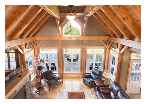 Large living area - hung windows 2