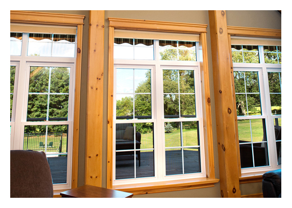 Combination of 2 hung windows with 2 upper fixed windows